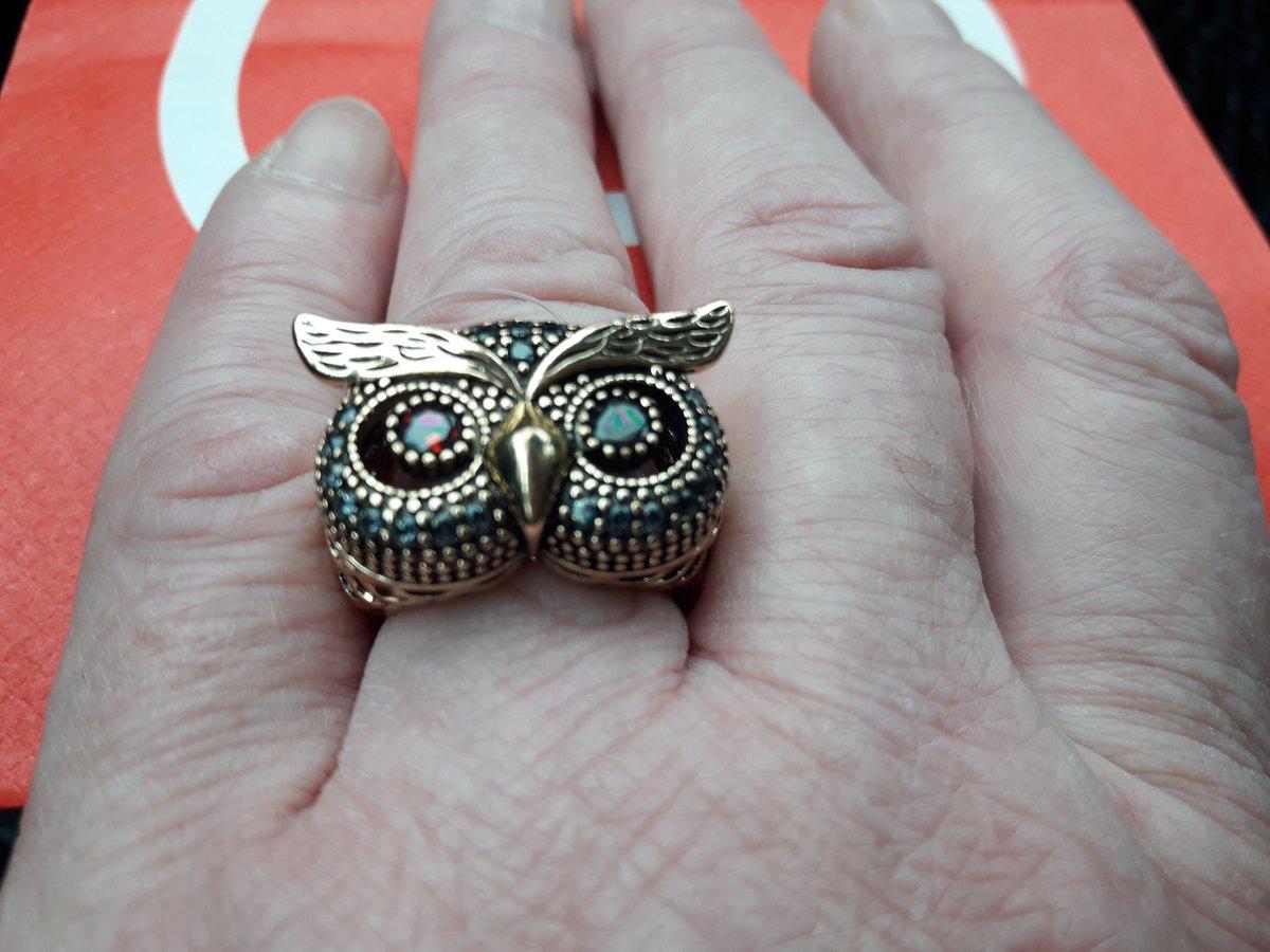 Кольцо сова с фианитами. изделие из не драгоценного металла.