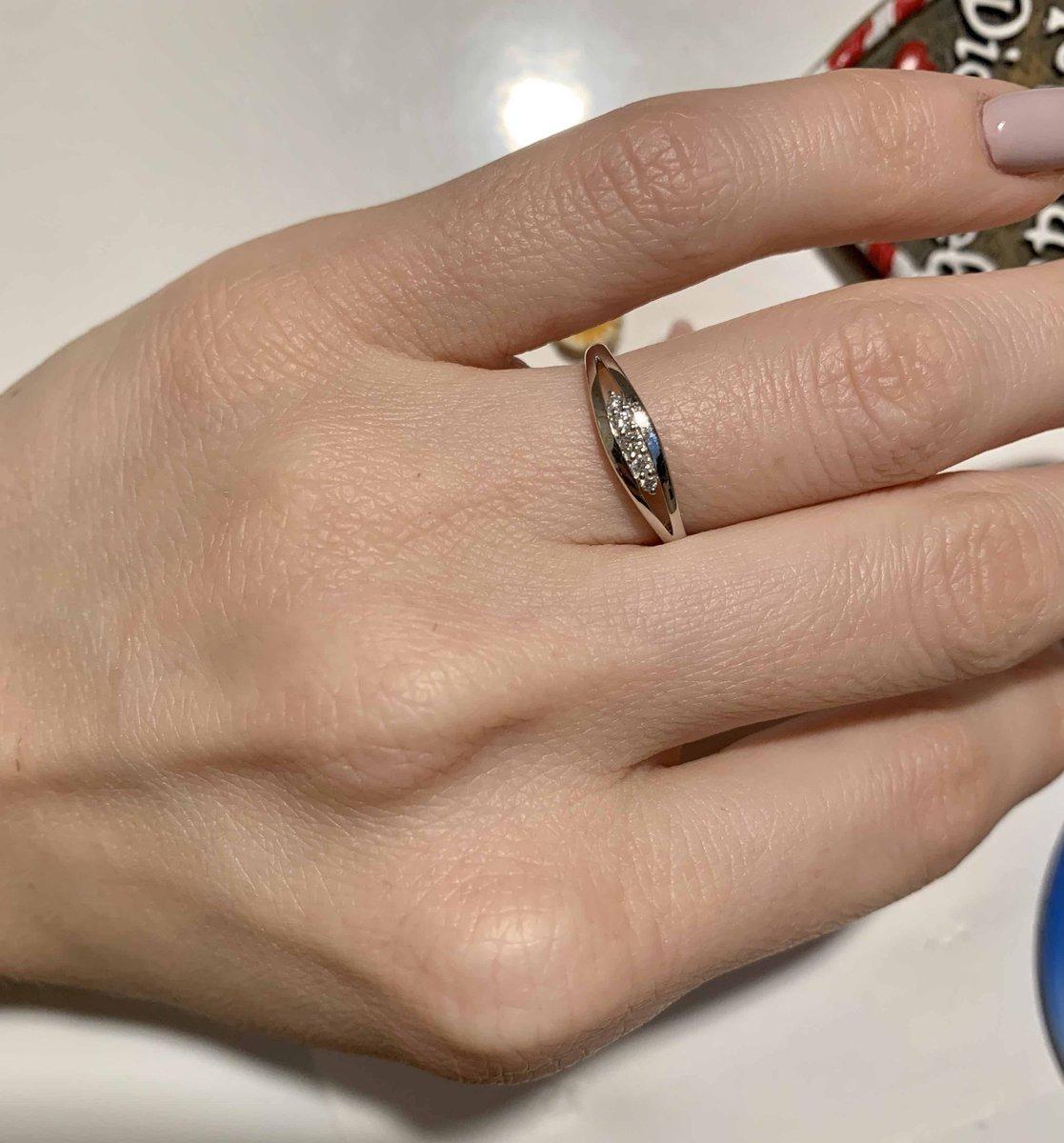 Безумно красивое сверкающее кольцо