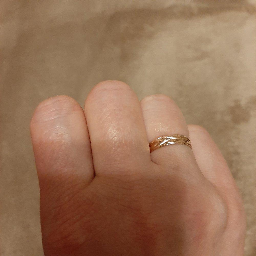 Кольцо с лазерной насечкой