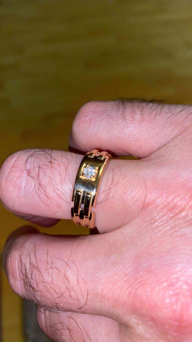 Кольцо отличное,размер соответствует,пришло раньше времени.обслуживание 👍