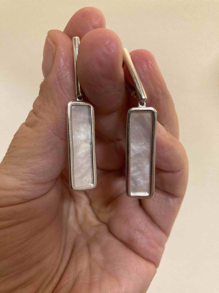 Серебряные серьги с перламутровыми вставками