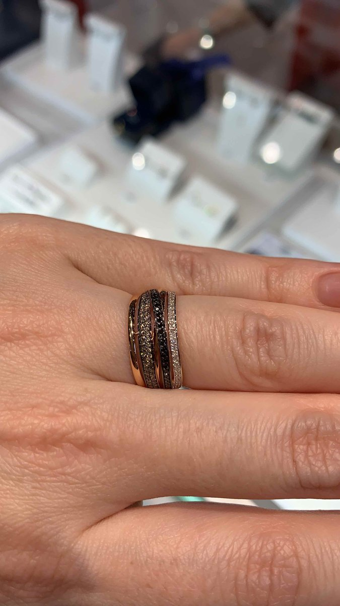 Шикарное стильное кольцо