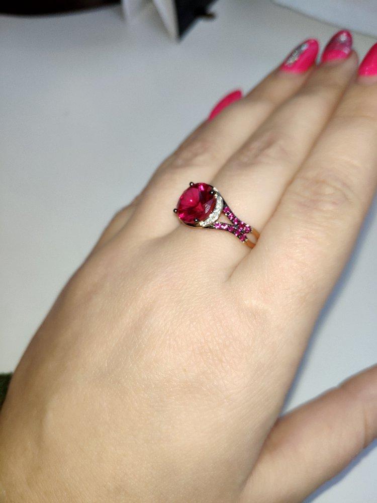 Кольцо просто шикарное, получила в подарок на др и очень счастлива!!!