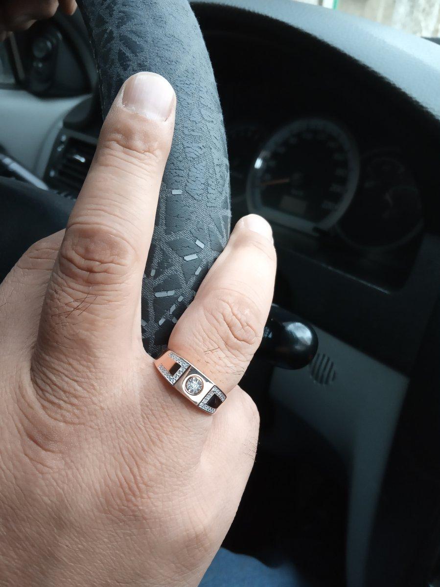 Печатка с бриллиантами.