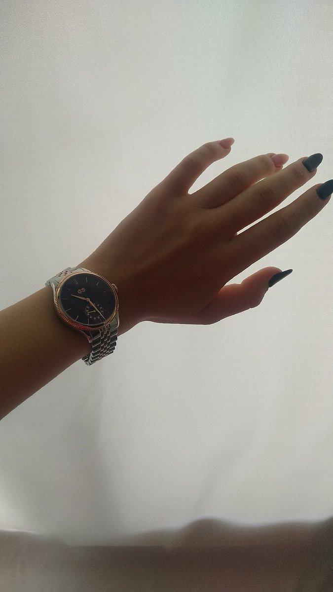 Очень красивые часы с отличным качеством