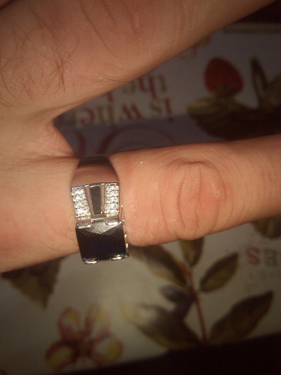 Отличное кольцо ,круто и дорого смотрится ,и цена приятная
