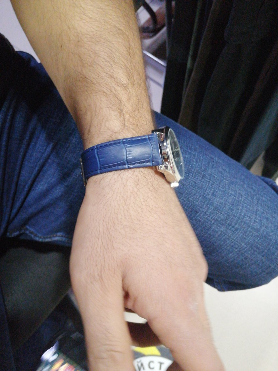 Брату подарак купил часы супер просто спасибо большое