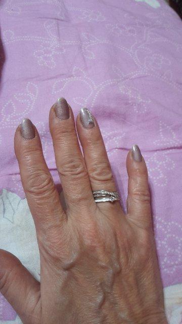 Серебро с фианитами всегда в моде. санлайт спасибо. скромно и изысканно.