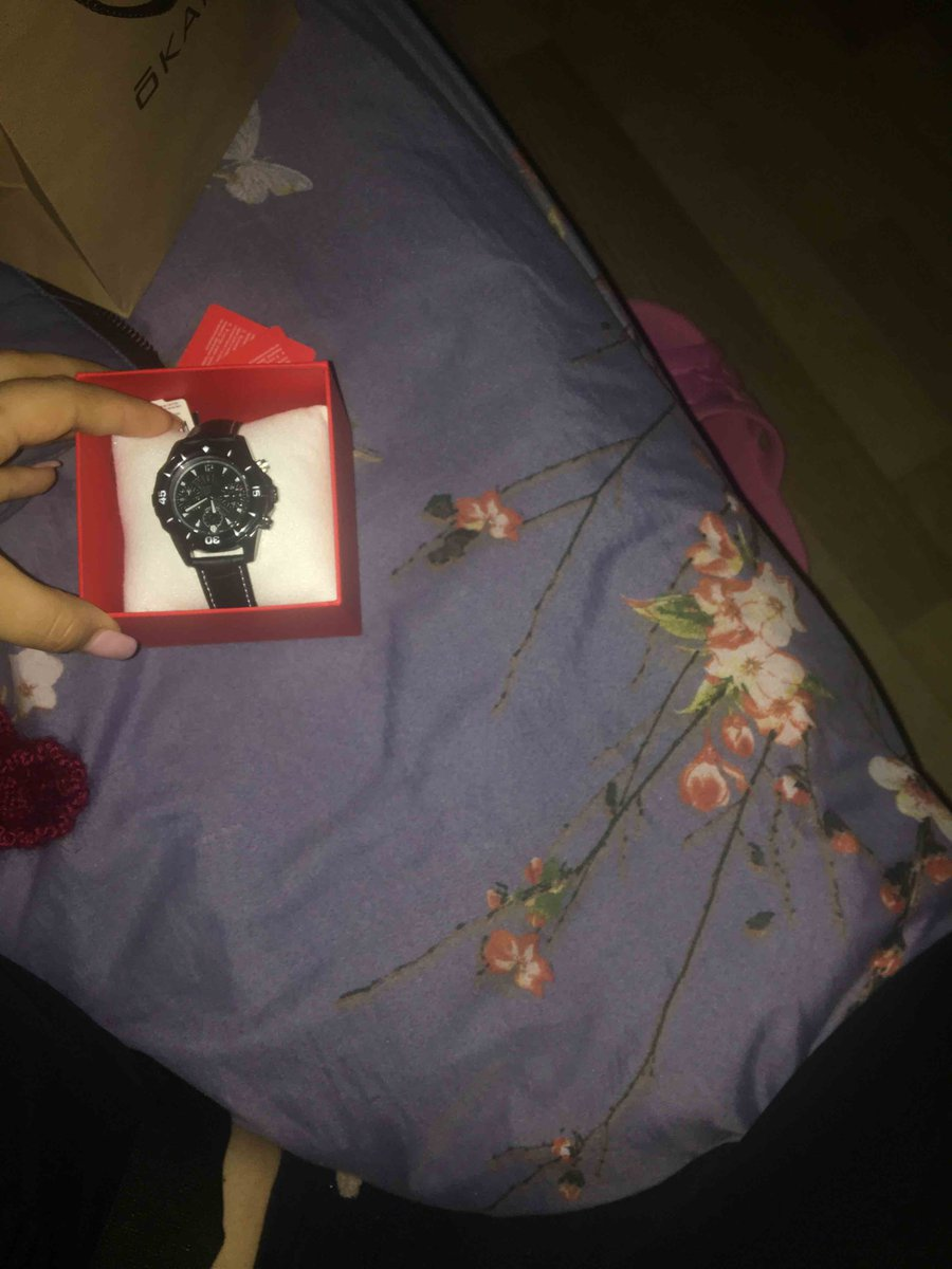Классические, красивые часы