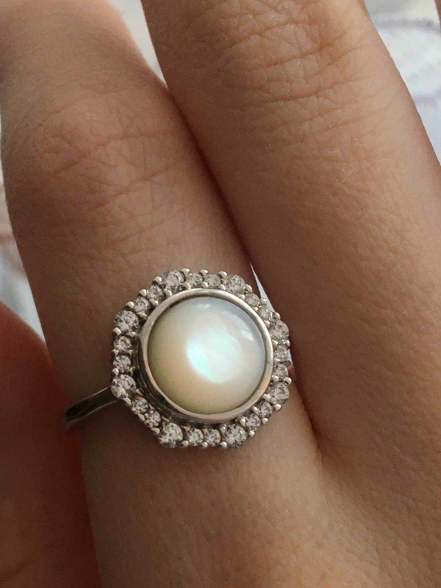 Муж подарил на новый год, кольцо невероятное