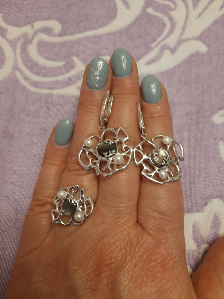 Кольцо с перламутром и жемчугом