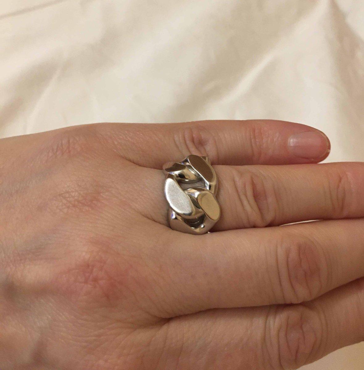 Кольцо в виде массивной цепи