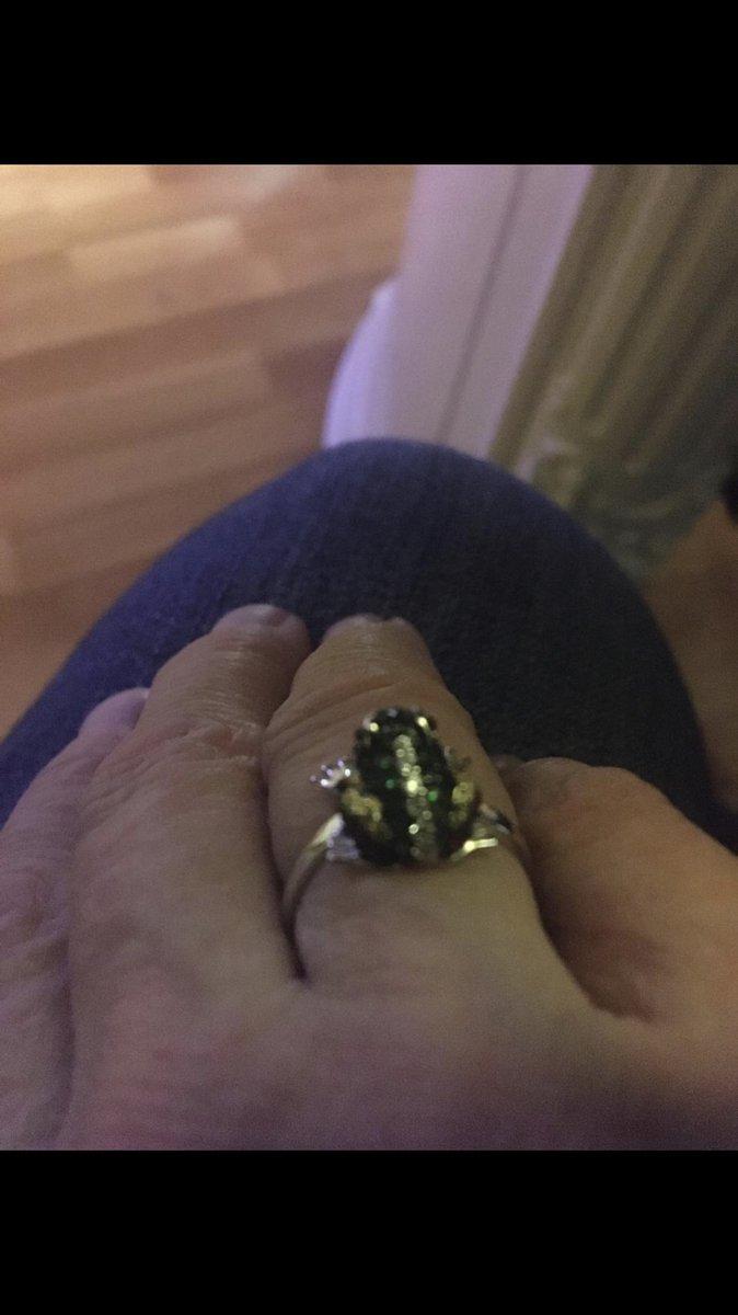 Эстэтичное кольцо небольшого размера