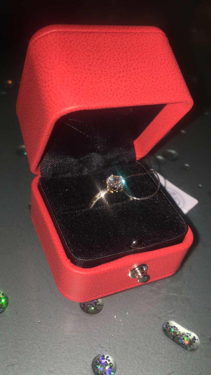 Кольцо с кристалом сваровски
