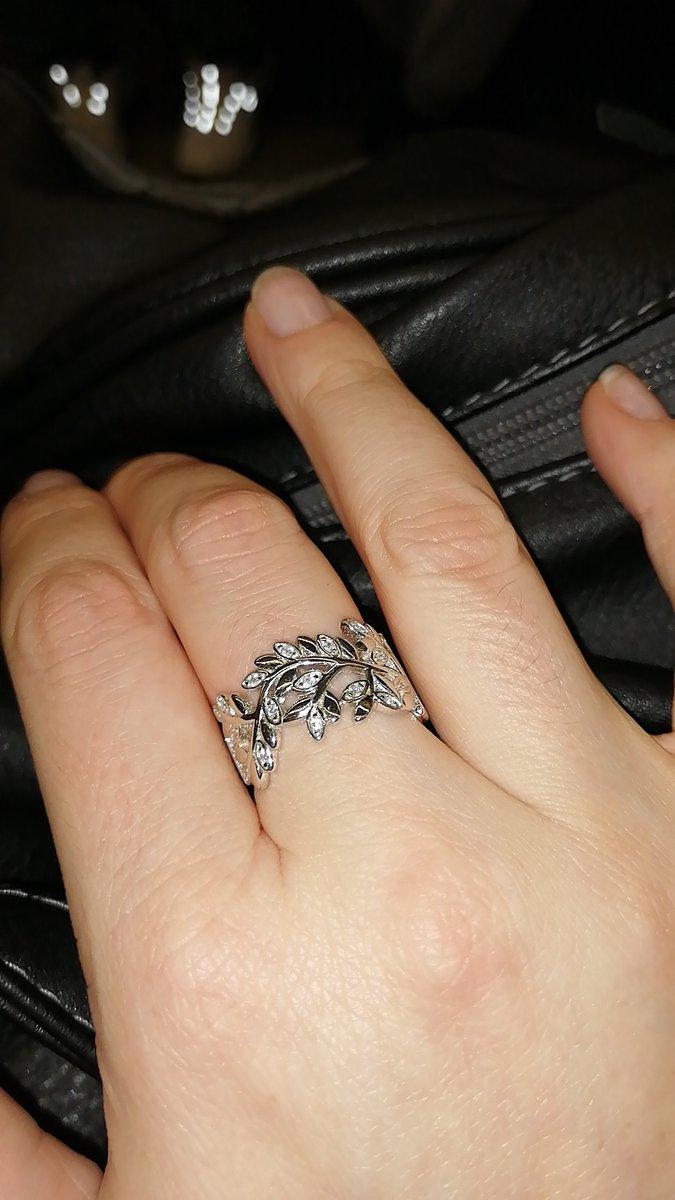 Нежное и удобное кольцо.