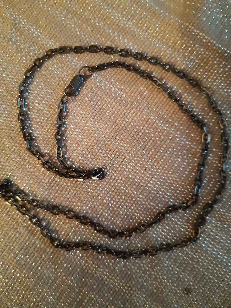 Качественная серебряная цепь.