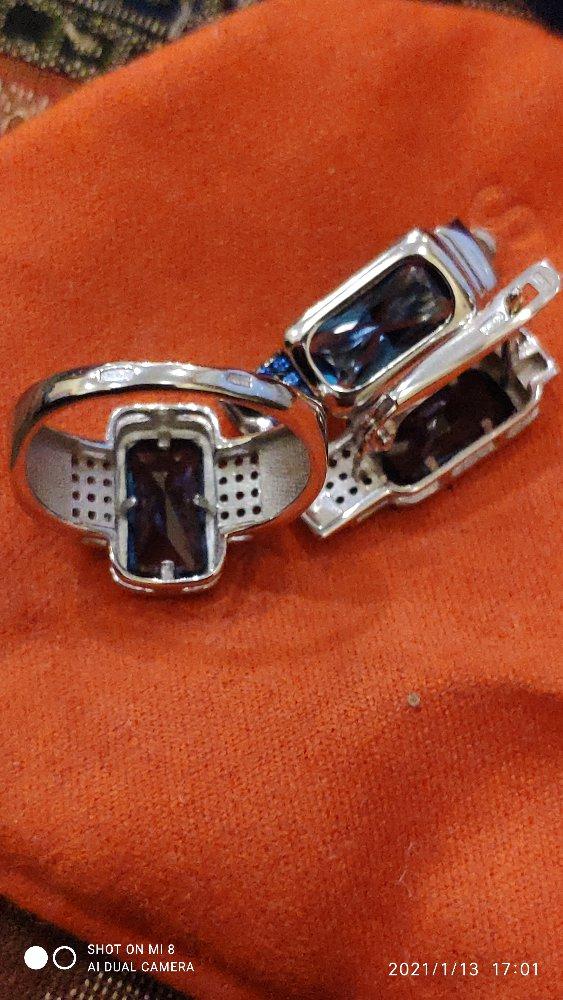 Серебряные серьги с топазами и наносапфирами