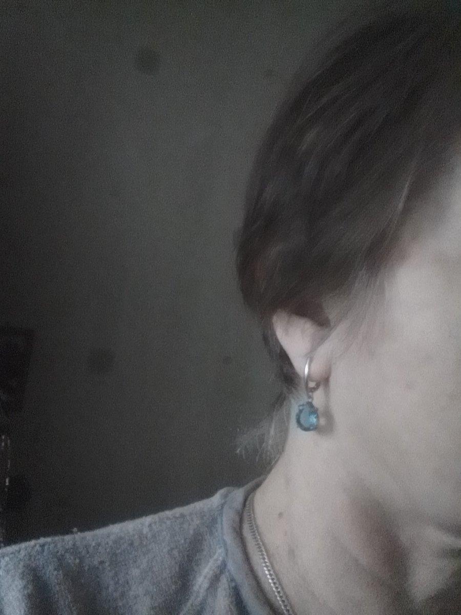 Сережки с голубым цирконием