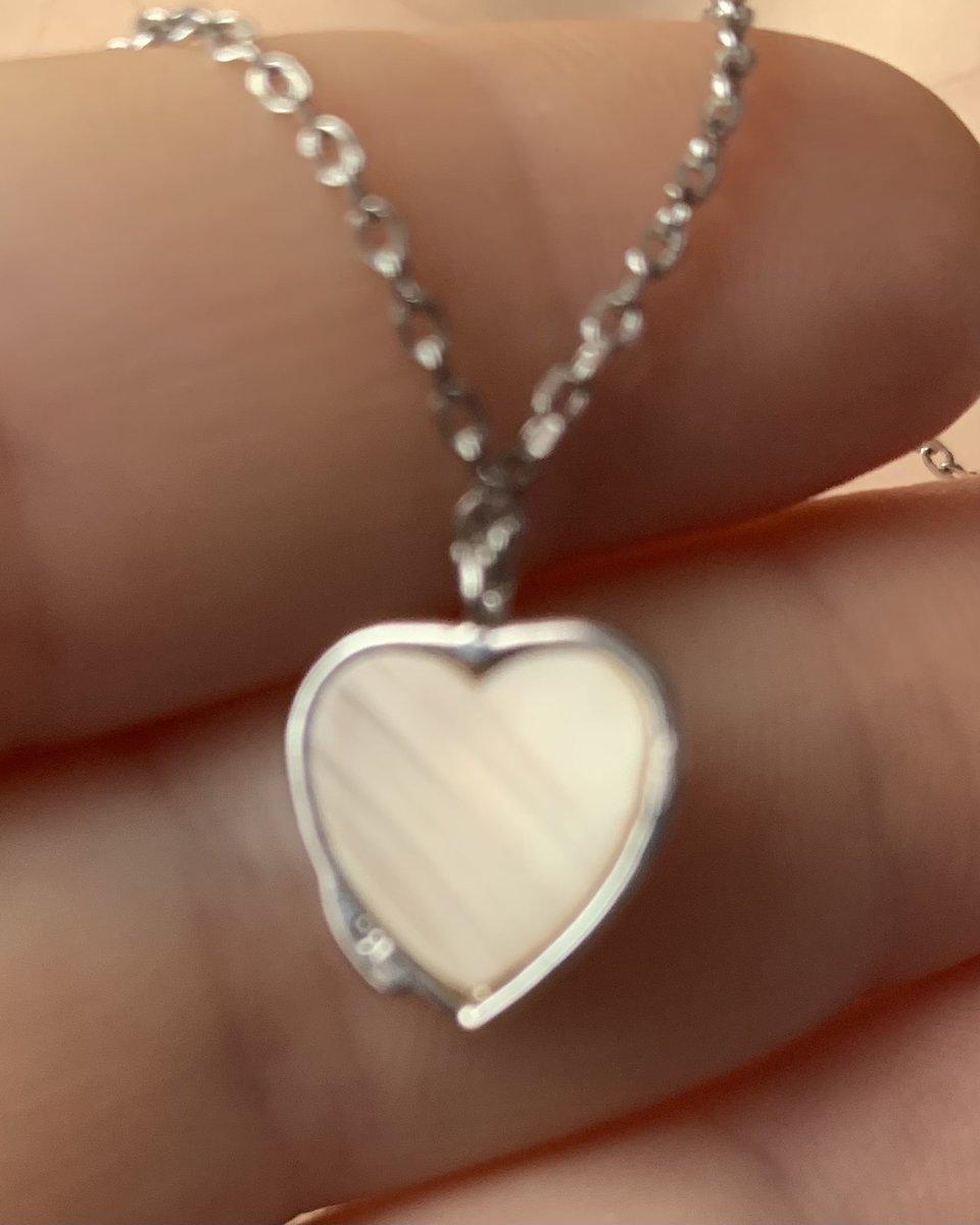 Красивое украшение в виде сердца