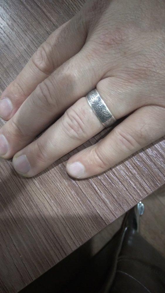 Кольцо красивое и практичное на каждый день
