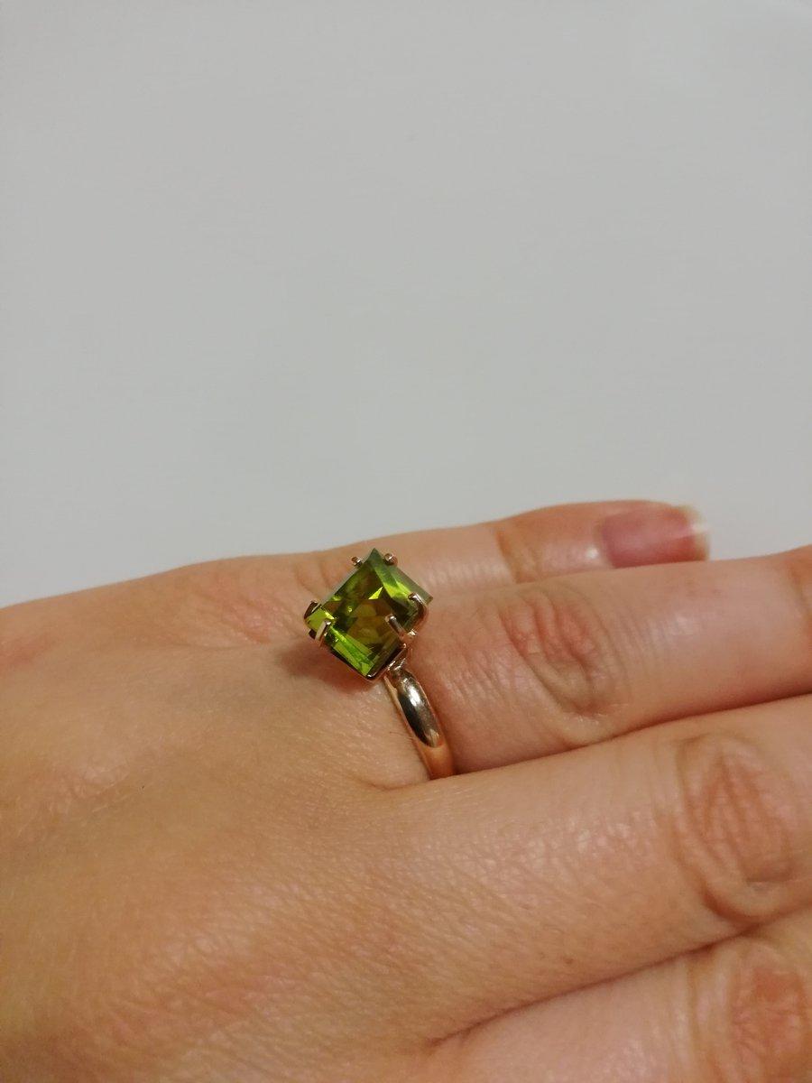 Потрясное кольцо