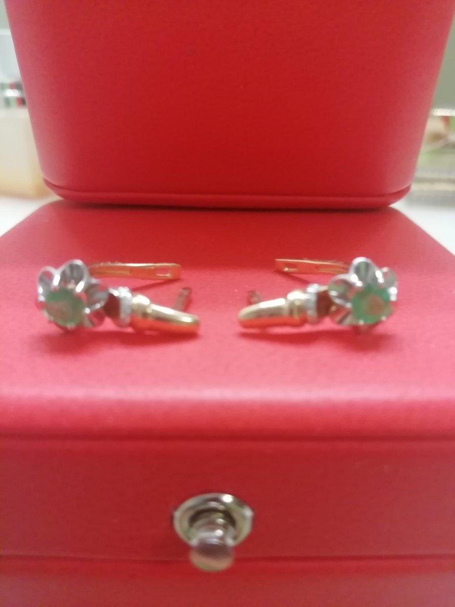 Золотые серьги с изумруд ом и бриллиантами
