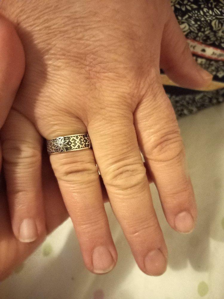 Кольцо красивая