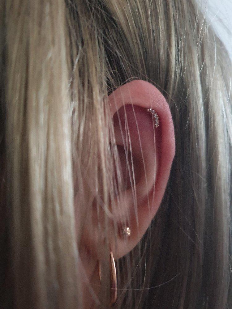 Пирсинг в хрящ уха