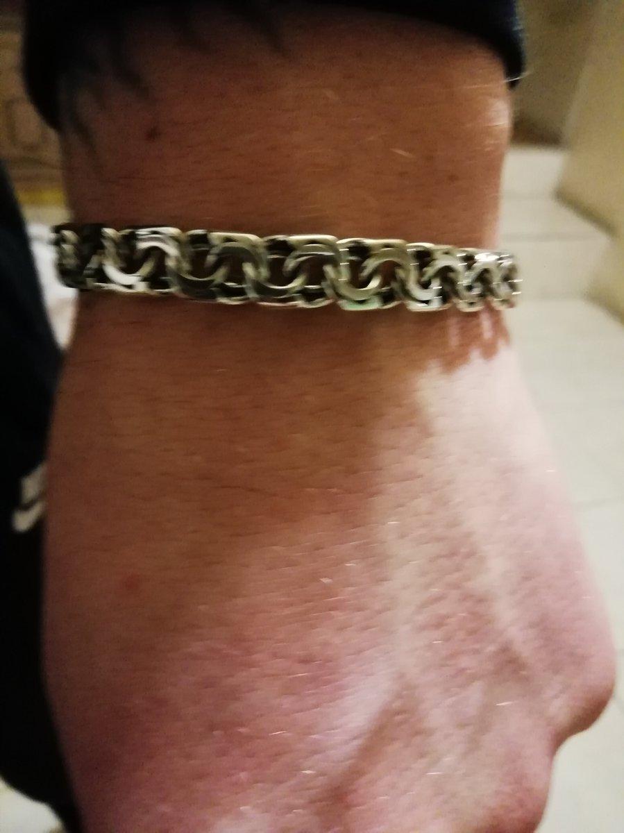 Покупала сыну серебряный браслет.