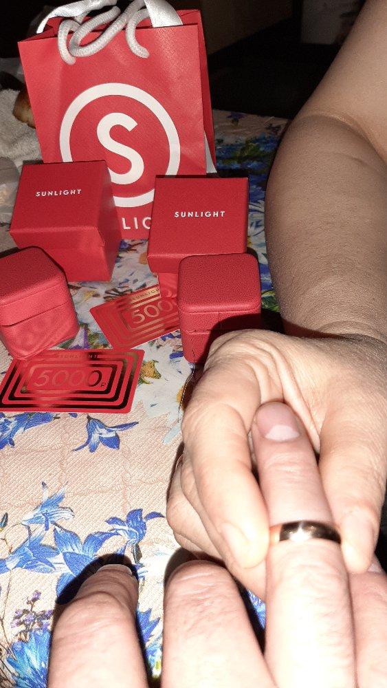 Спасибо,сотруднице она очень вежливо. помогла выбрать обручальные кольца.