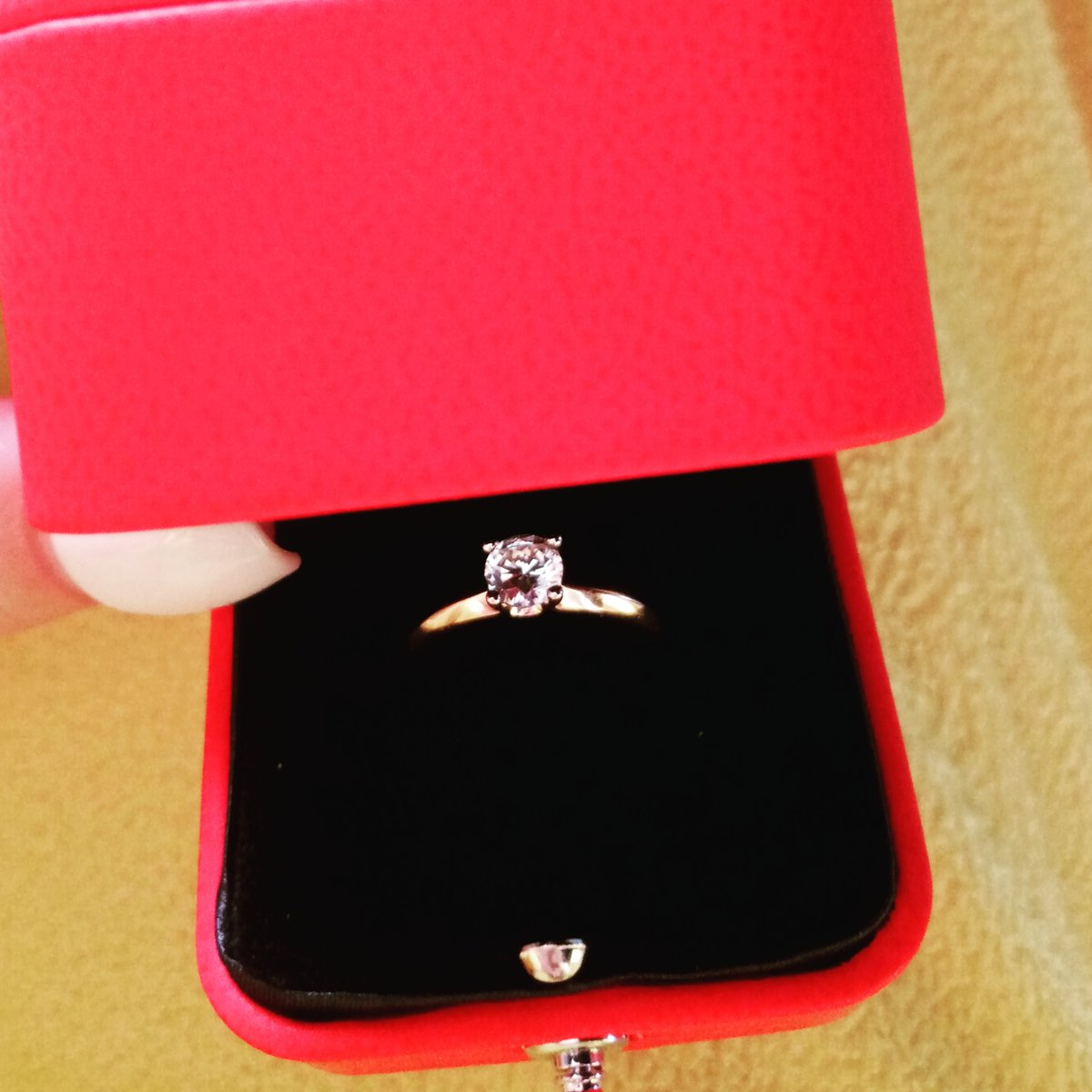 Нереальное изящное кольцо, классика всегда в моде, заказывайте не пожалеете