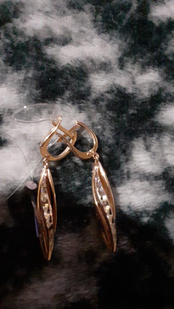 Стильные позолоченные серебрянные сережки