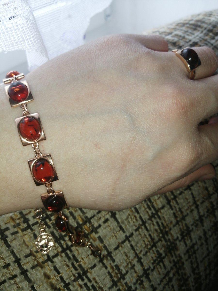 Шикарный янтарный браслет