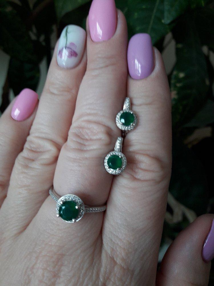 Фантастическое кольцо с зеленым агатом.