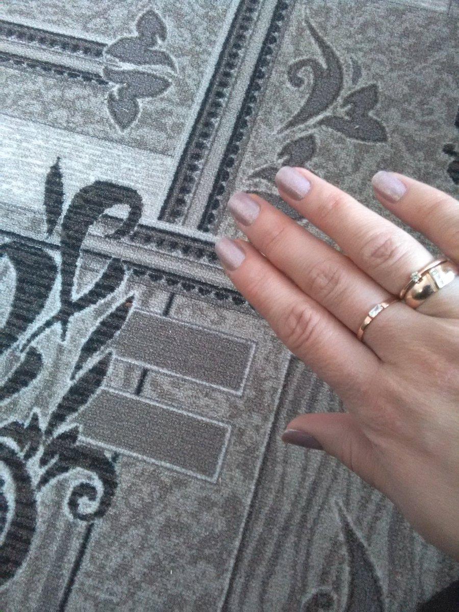Золотое кольцо с фианитгм