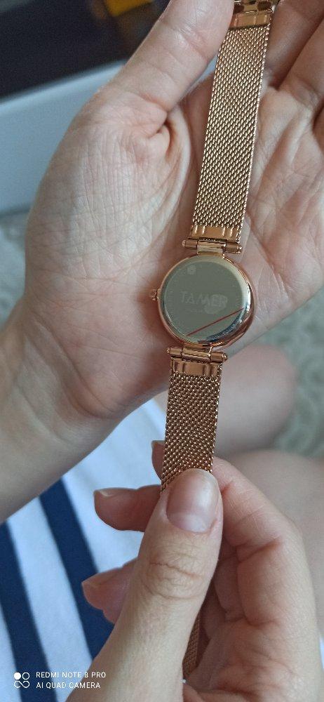 Часы женские наручные.