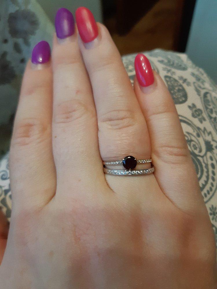 Кольцо с гранатом и кольцо с фианитами