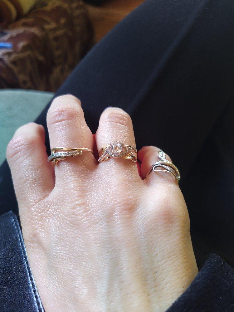 Покупалось как второе кольцо свадебное)