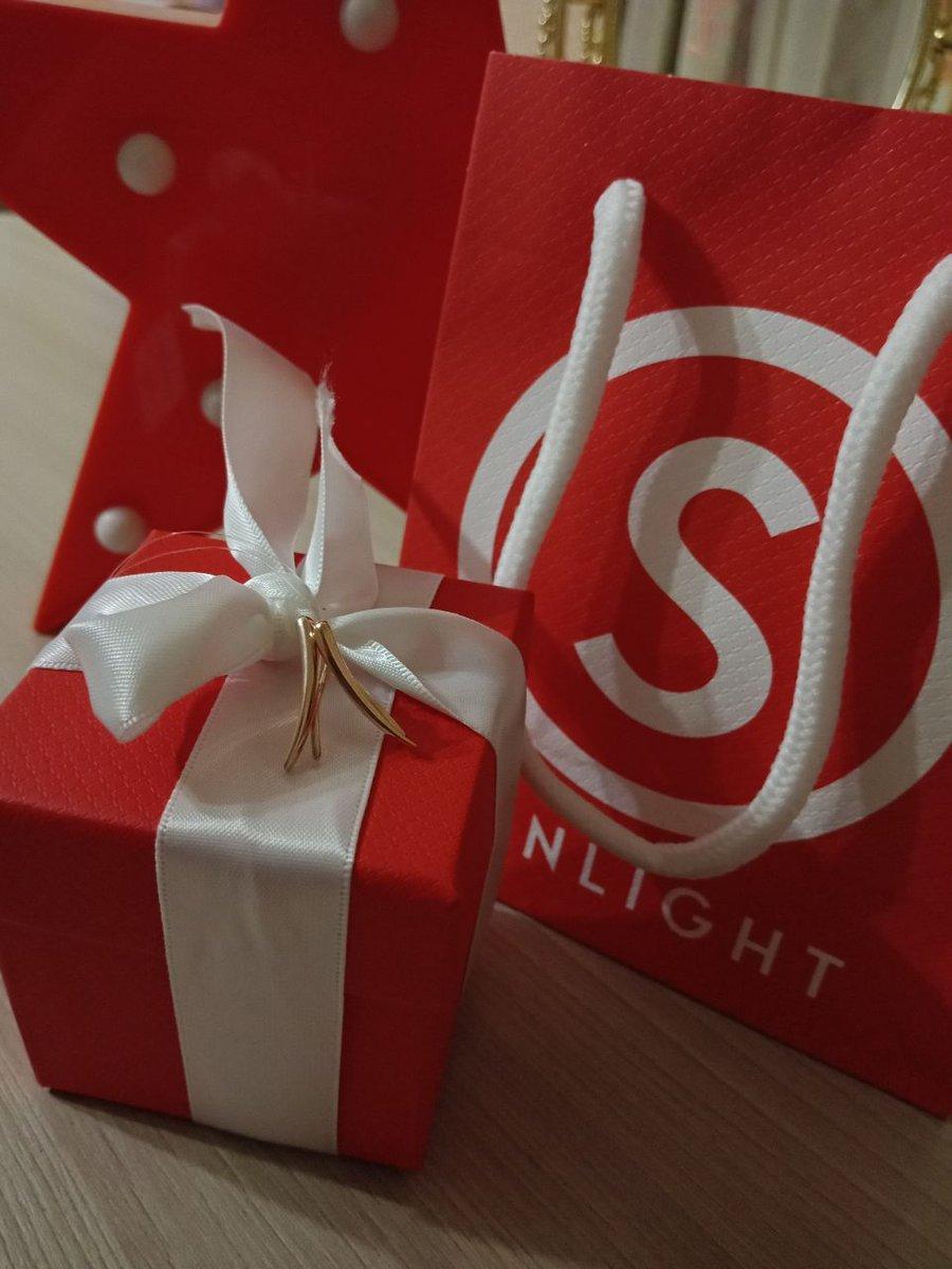 Серьги- отличный подарок