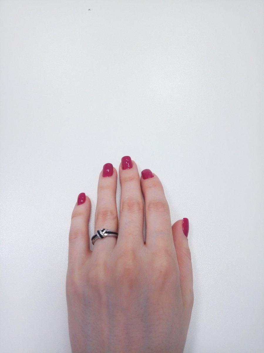 Серебряное кольцо в монохромной расцветке