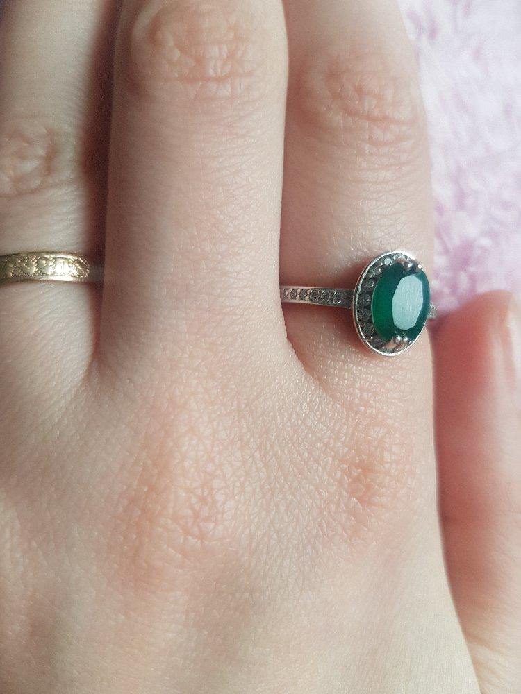 Кольцо с зелёным агатом