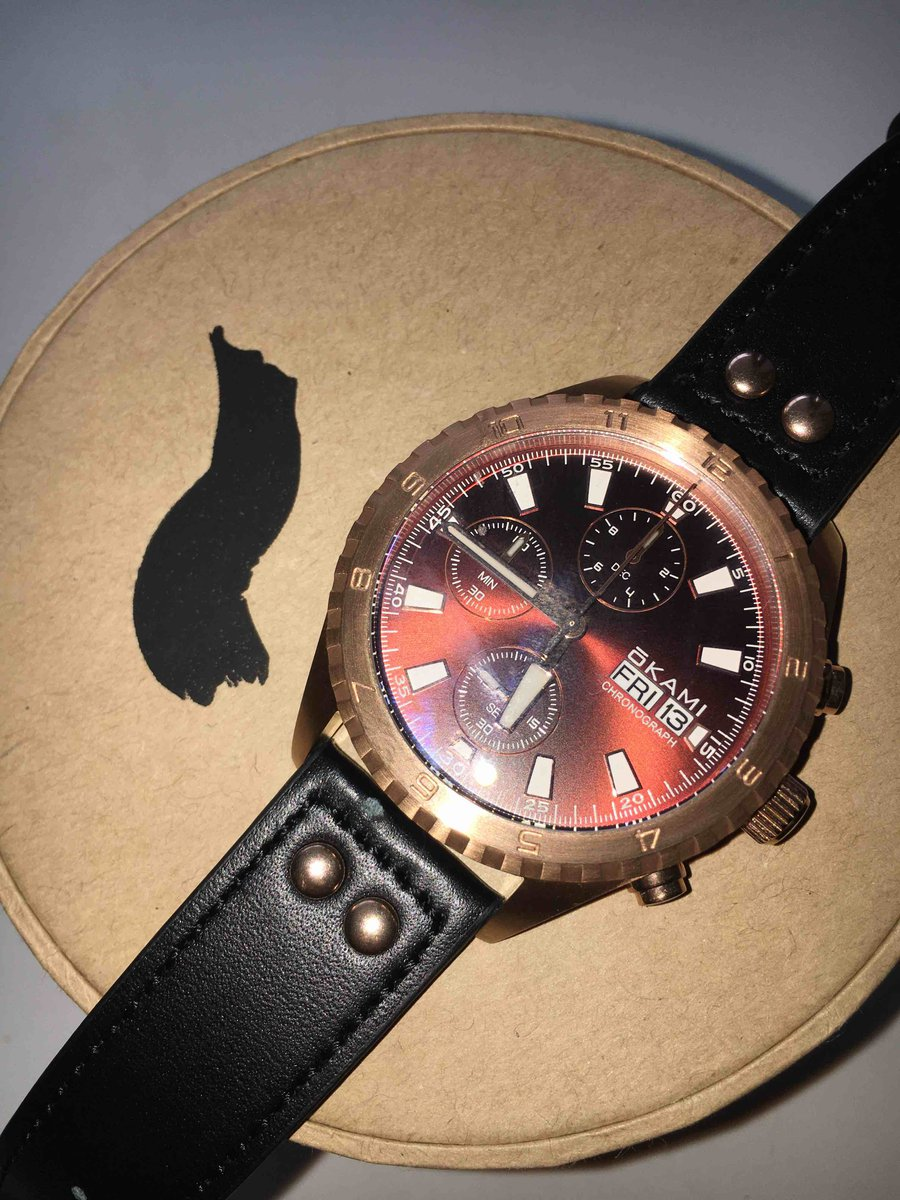 Часы с японским кварцевым механизмом