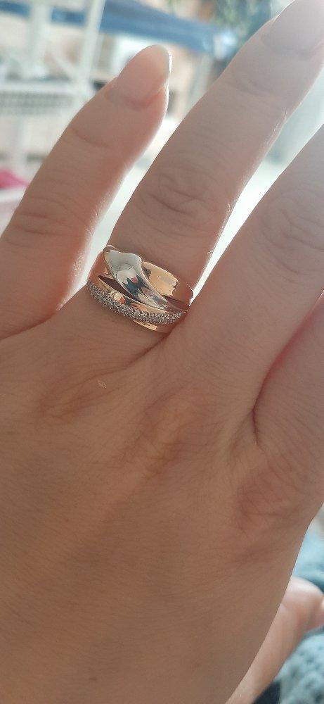 Очень красивое кольцо. Спасибо девушки, которая помогла выбрать.