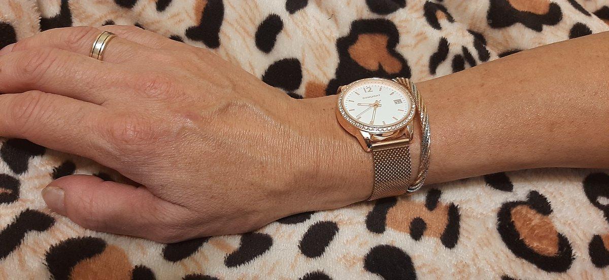 Отличные часы! Супруга восторге!