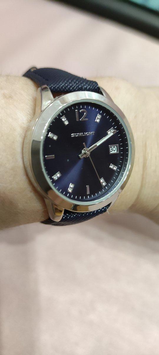 Часы женские, синие.
