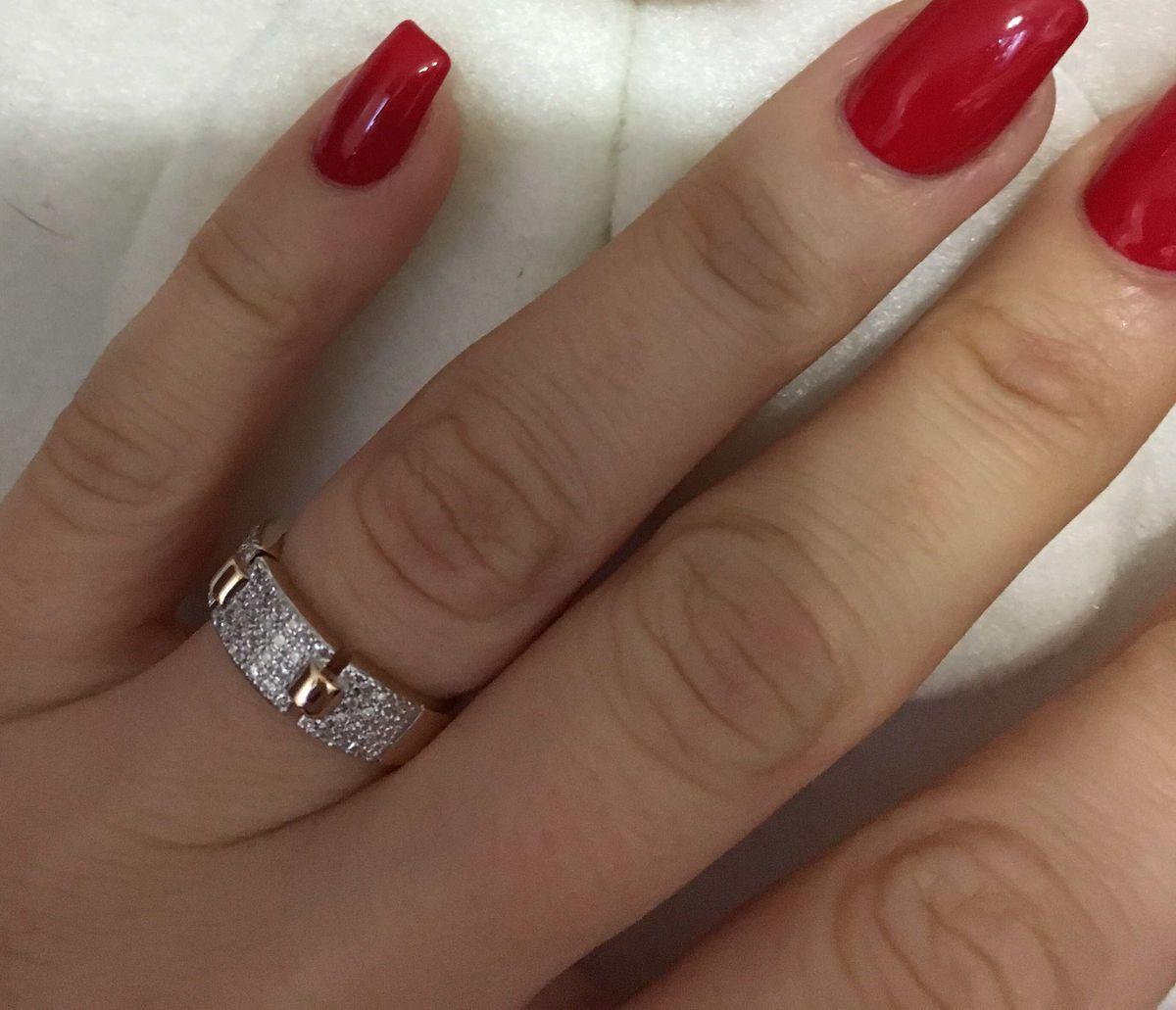 Красивая дорожка с бриллиантовой крошкой
