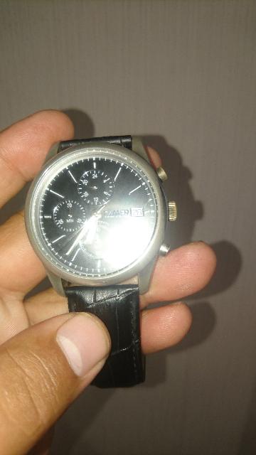 Часы очень плохого качества имею ввиду корпус за два месяца за желтел корпу