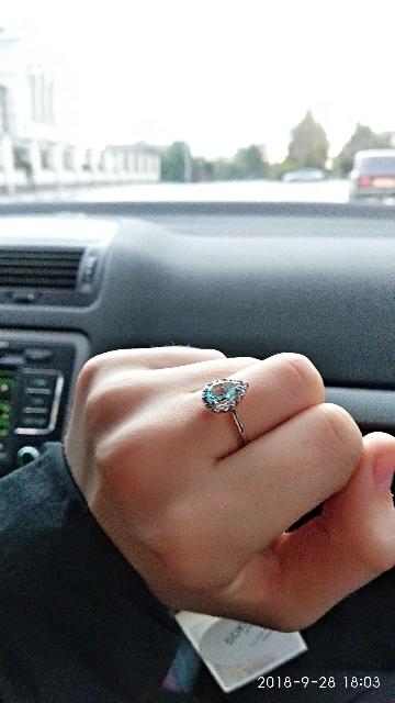 Серебряное кольцо с топазами и фианитами!!!