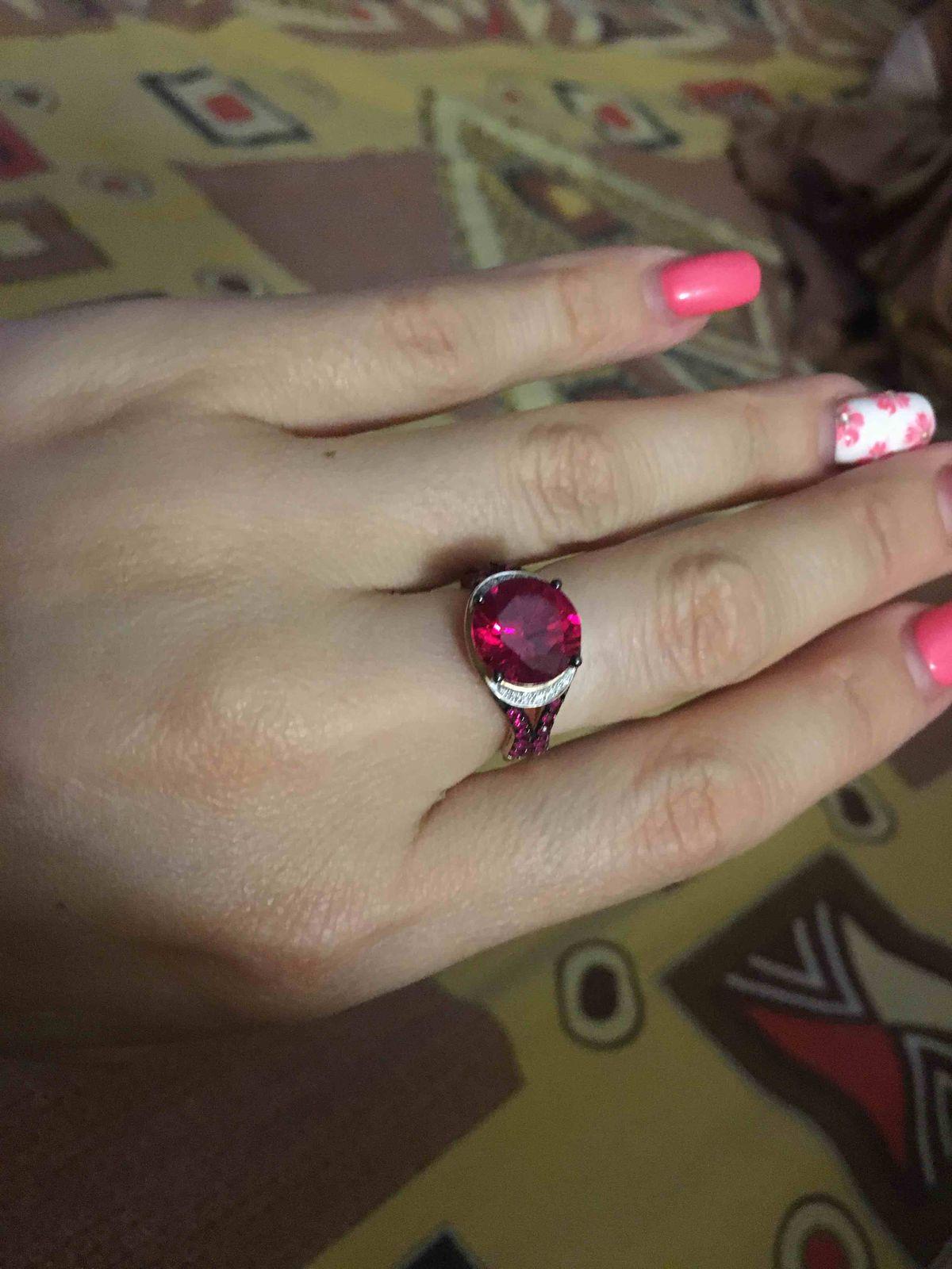 Очень яркое и красивое кольцо