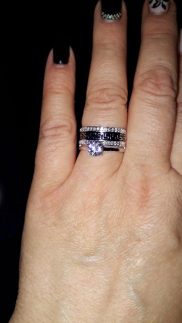 Двойное кольцо с фианитами и эмалью